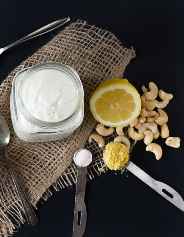 Vegan-Sour-Cream-3